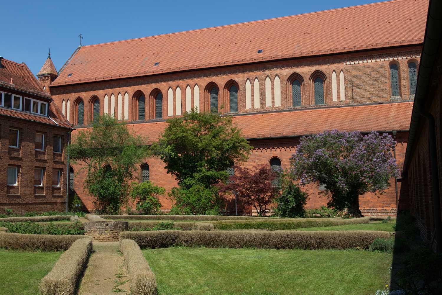 Klosterkirche Lehnin - Klostergarten